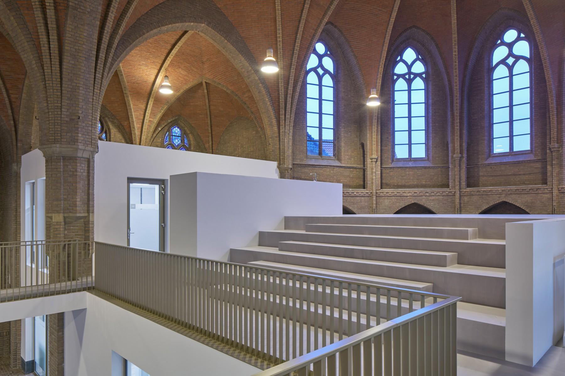 Theresiakerk Borne